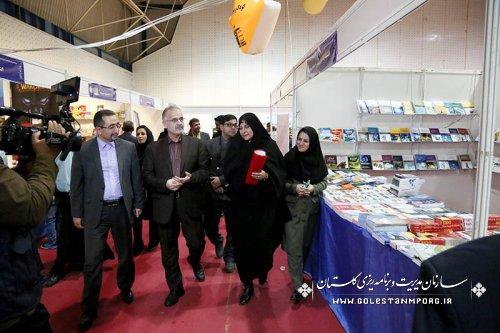 گزارش تصویری  دیدار دکتر روزبهان از نمایشگاه کتاب استان گلستان