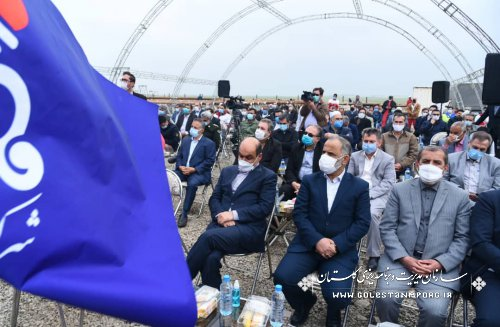 رئیس سازمان مدیریت و برنامه ریزی استان گلستان در عملیات اکتشافی چاه نفت هیرکان در شهرستان گمیشان